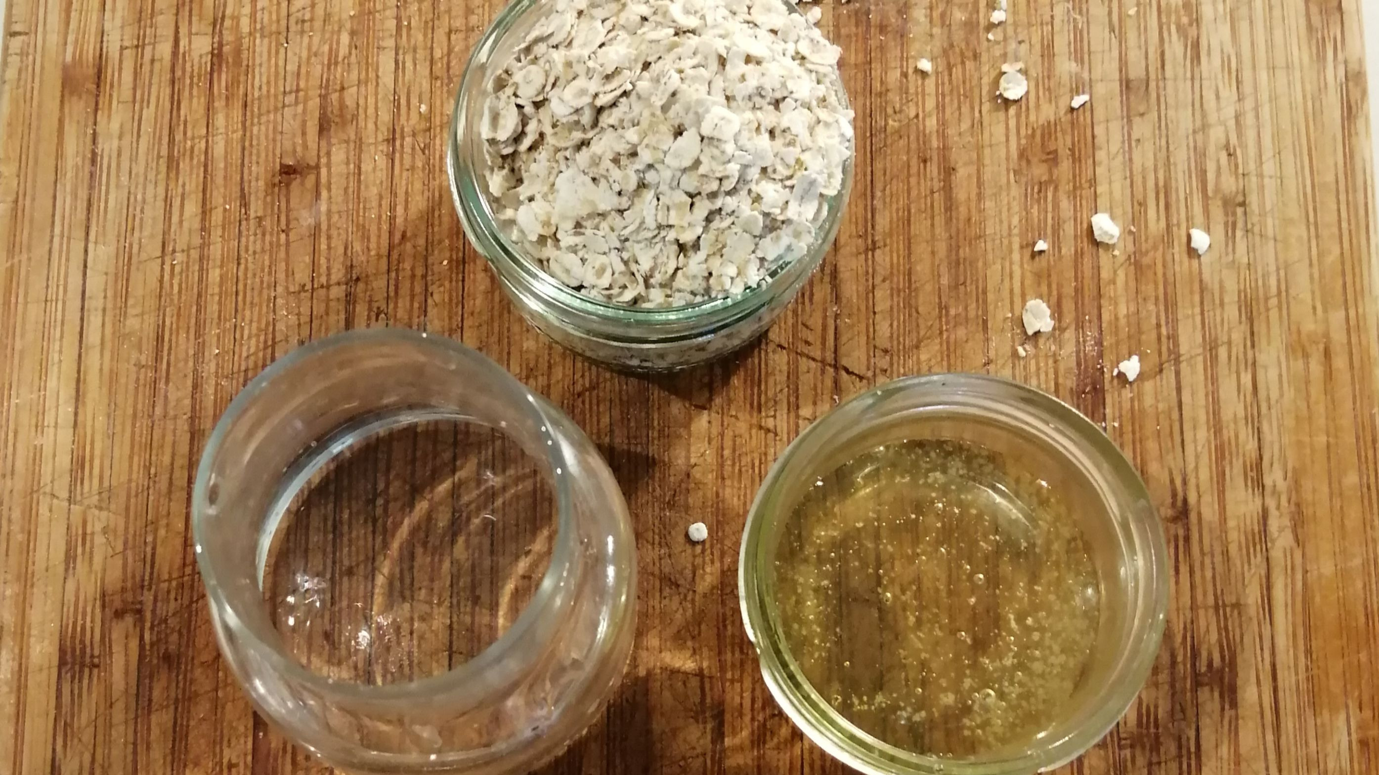 Making oat facial scrub // My Slow Experience